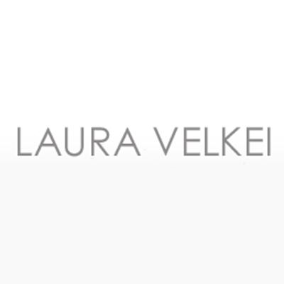 LARABA - Laura Velkei